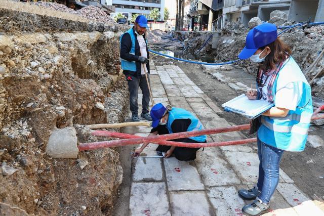 İzmir'de altyapı çalışmaları sırasında Osmanlı dönemine ait bedesten bulundu