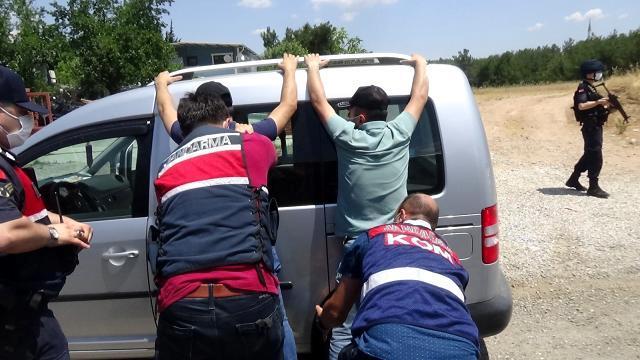 Jandarmadan tarihi eser kaçakçılarına operasyon: Sıcak anlar kamerada