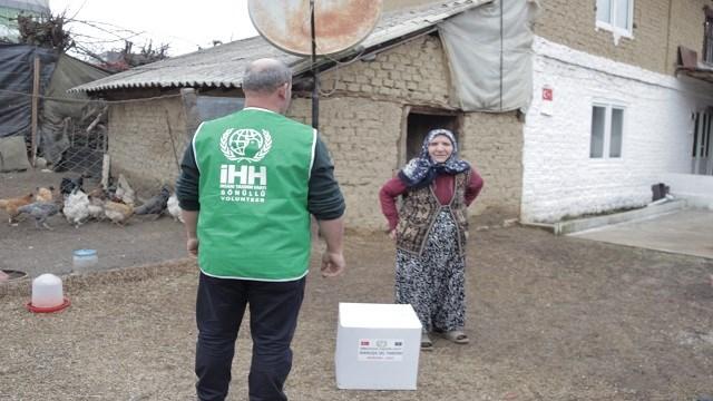 İHH'den Kosova Mamuşa'daki sel mağdurlarına gıda yardımı