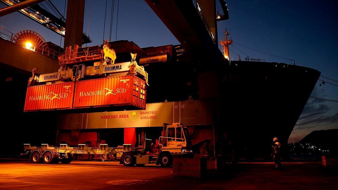 Limanlarda elleçlenen konteyner ve yük miktarı arttı