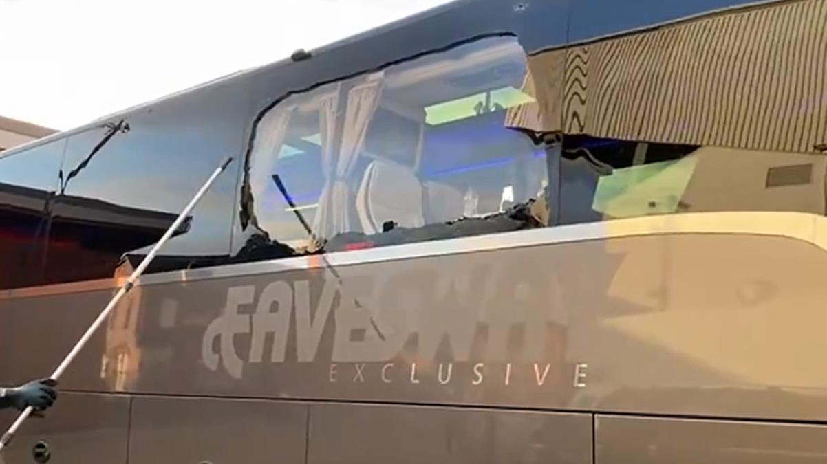 Liverpool taraftarları Real Madrid takım otobüsüne taşlı saldırıda bulundu