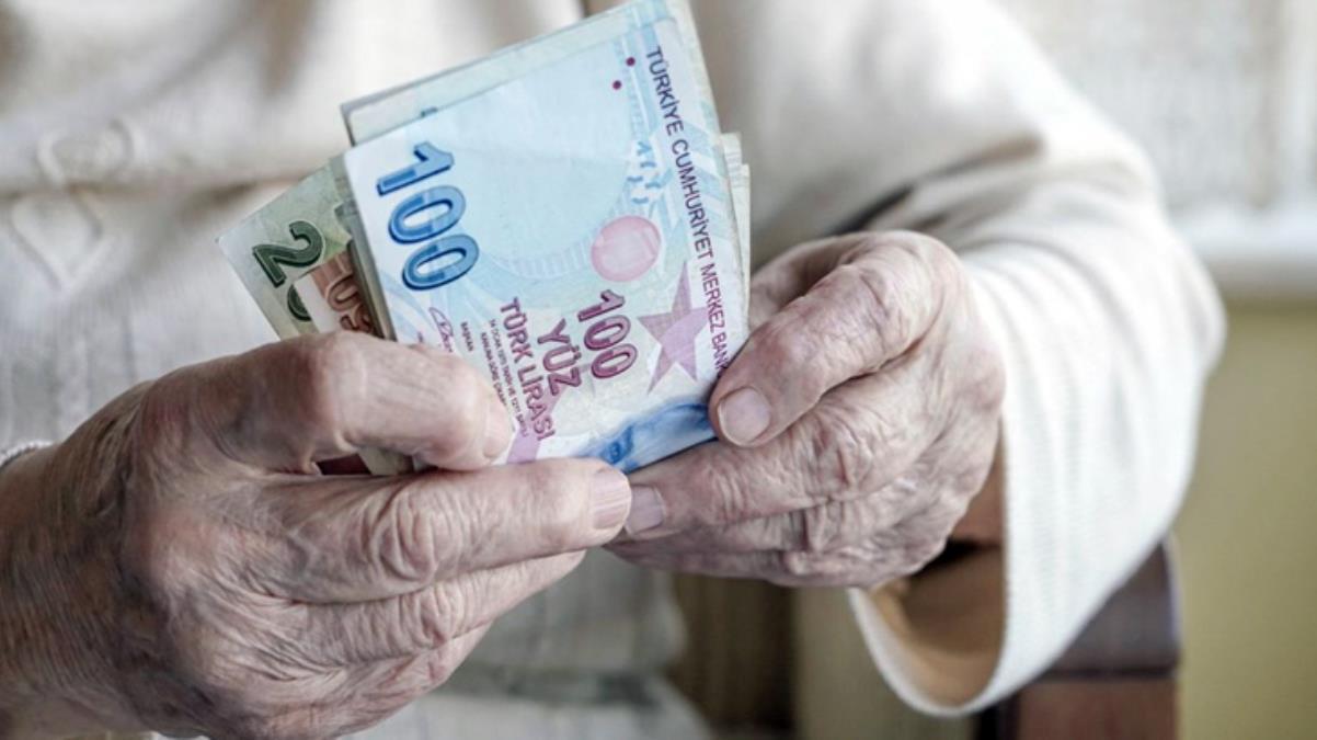 Milyonlarca emekli heyecanla bekliyor! İkramiyelere yapılacak zam oranı bugün netleşecek