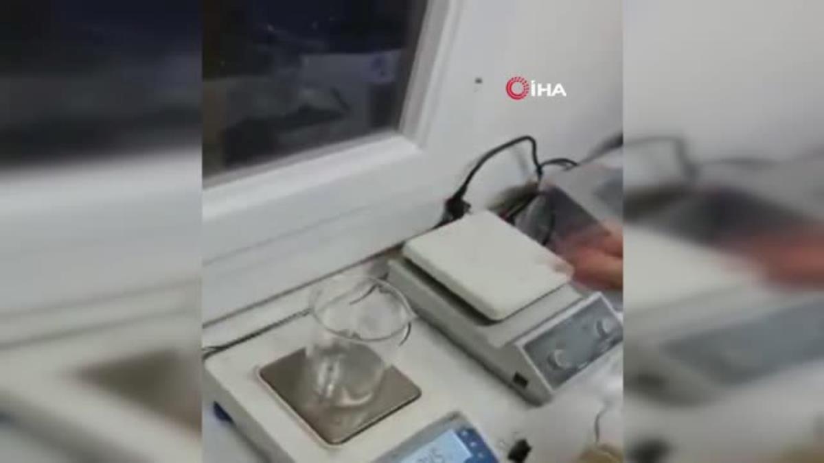 Müsilaj'ın laboratuvar ortamında yüzde 99'unu su olan bir salgı olduğu görülüyor