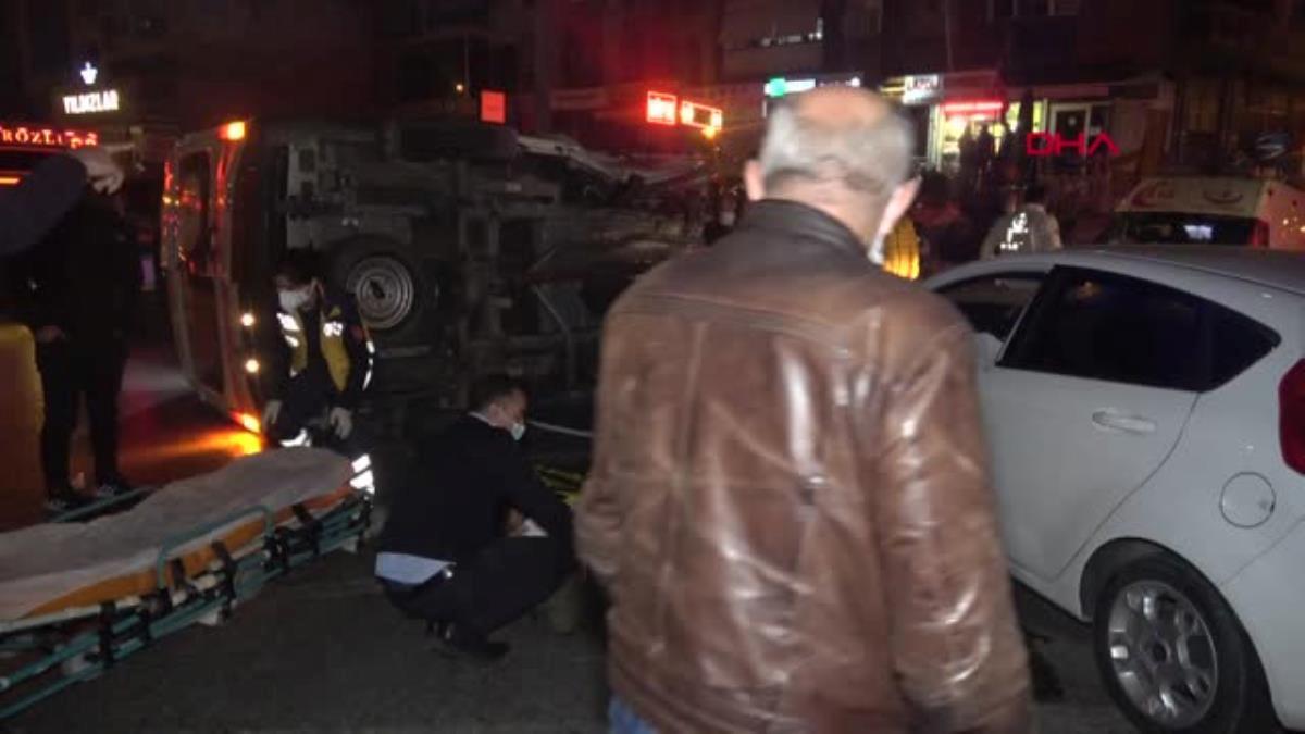 Otomobille çarpışan ambulans devrildi 1 yaralı