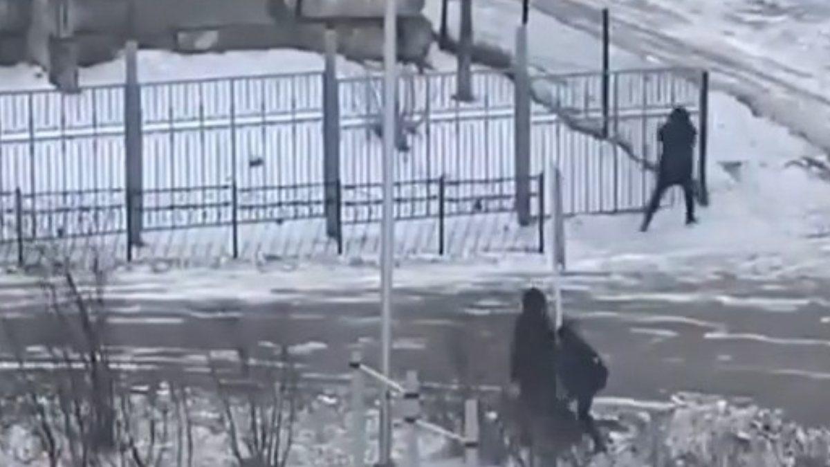 Rusya'da fırtınaya yakalananların zor anları