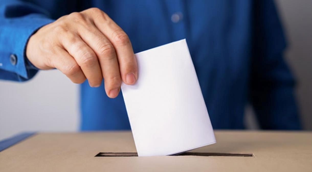 4 Nisan'da yapılacak genel seçim, ülkedeki Müslüman ve Türk nüfus için ayrı öneme sahip