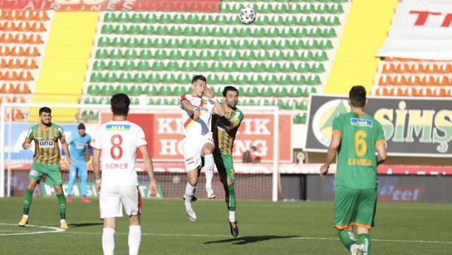 Süper Lig'in 28. haftasında Alanyaspor sahasında Göztepe ile 1-1 berabere kaldı