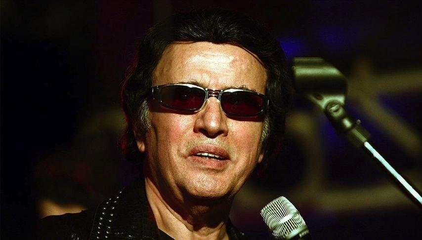 Türkiye'nin Elvis'i Erol Büyükburç anılıyor