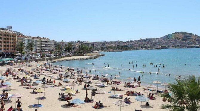 Türkiye'ye rezervasyonlar dipte, Yunanistan artıda