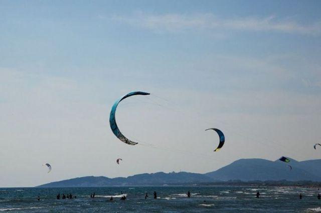 Кайтсерфинг на Великом пляже. Фото: Cdm.me, архив
