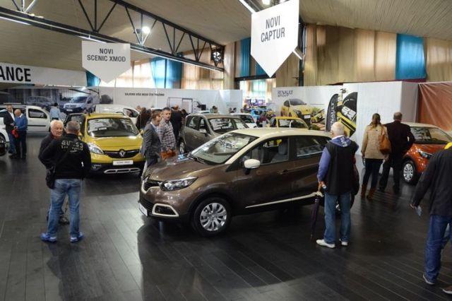 Выставка автомобилей в Будве. Фото: Radiodux.me