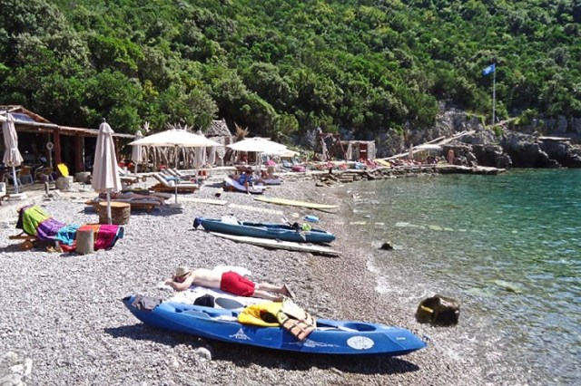 Пляж «Стевузо» на ривьере Херцег-Нови. Фото: Radio Jadran
