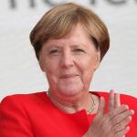 Merkel: Živa sam i zdrava, ne planiram da odem sa vlasti
