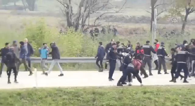 Migranti probili policijski kordon, ima povređenih (VIDEO)