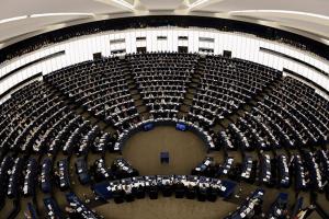 """Evropa izvlači Srebrenicu kao """"krunski dokaz"""" protiv Srba pred odlučujuću bitku za Kosovo"""