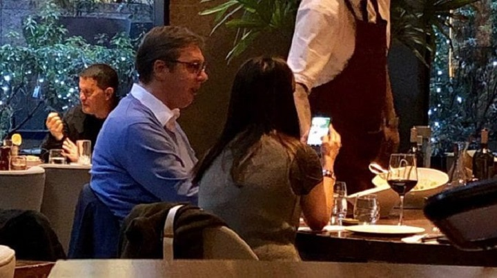 NS: Ručak Vučića i saradnice plaćen oko 6.000 dolara, zbog vina koje su pili!