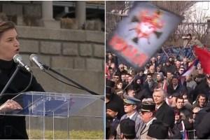 Premijer Srbije izviždan na svečanosti u Orašcu
