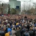 Tirana od ranog jutra pod policijskom opsadom, započeo protest