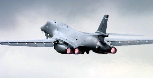 """NATO """"Zaštitnička sablja"""": Bombarderi B-1B i nad Makedonijom. Hoće li Srbija dozvoliti prelet aviona koji su je bombardovali?"""