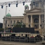 """Ispred Narodne skupštine postavljena bina za protest """"Svi kao jedan -Jedan od pet miliona"""""""