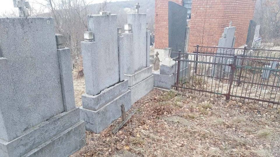 Dimitrijević: Srbi zbog bede prodaju grobna mesta bližnjih. Grob je svetinja. Prodaja svetinje je znak krajnjeg sloma naroda.