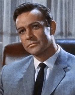 Radio kao fizički radnik, zidar, spasilac na plaži - prvi filmski Džejms Bond slavi 90. rođendan