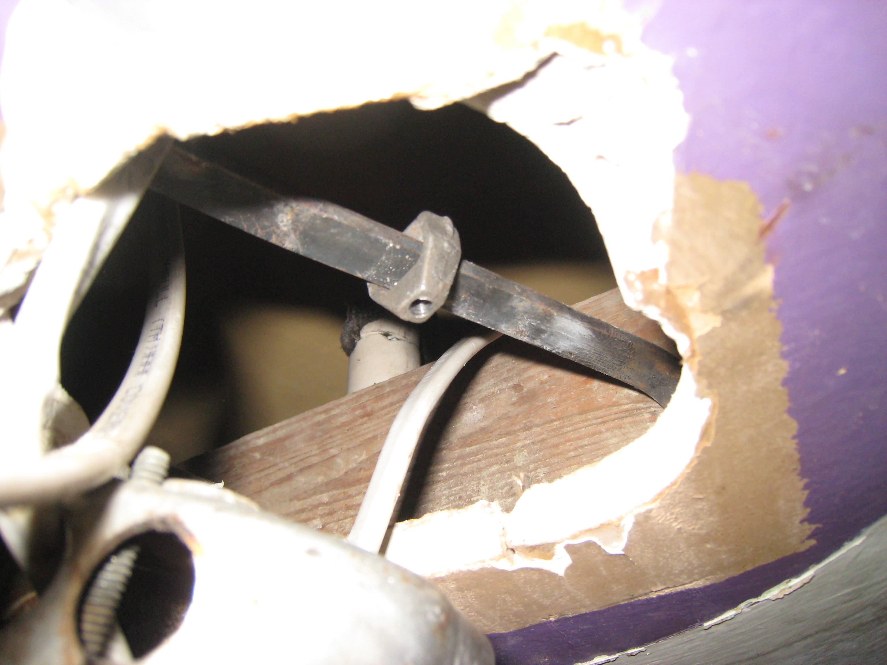 Ceiling mount bracket