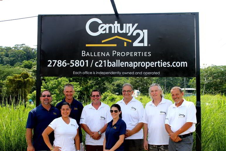 00 - Best Group Shot #century21 #ballena_propertes #osa #costaballenalovers #puravida #properties #costarica (1)