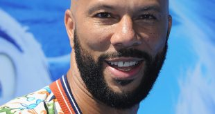 Common talks Erykah badu