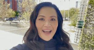 Sery Kim (Selfie)