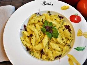 Nudeln mit Knoblauch und Olivenöl