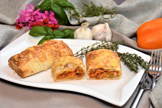 Pizza Rolle in Filo Teig Rezept