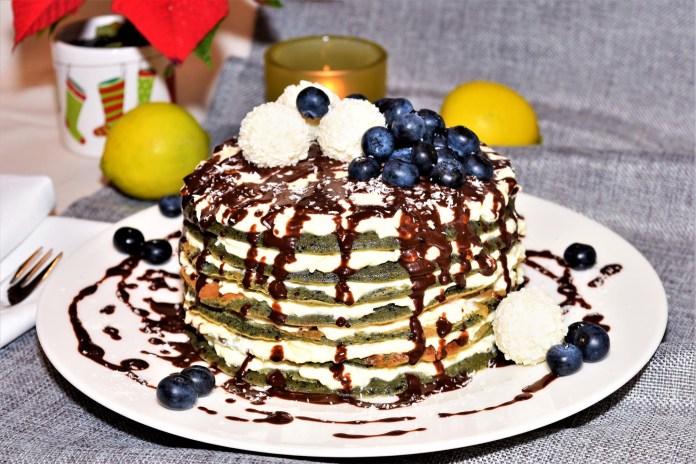 Heidelbeer Pancake mit Raffaelo Creme Rezept