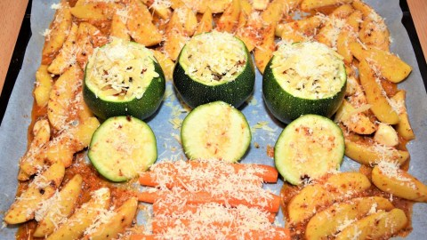 Sheet Pan Dinner mit ganzer Zucchini