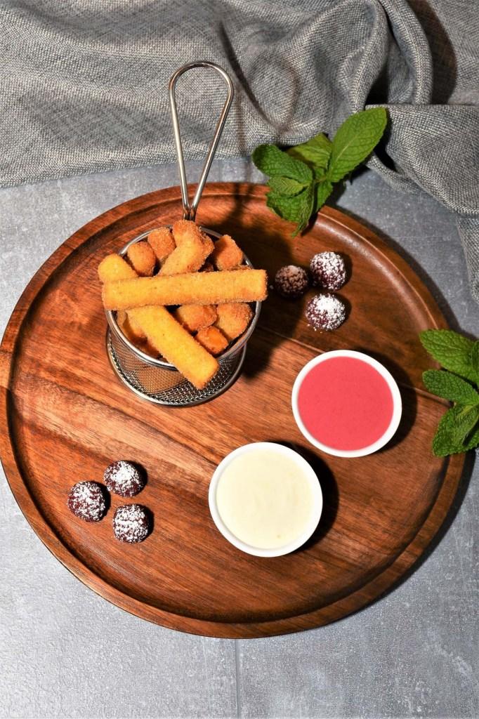 Süße Pommes Rot Weiß Dessert