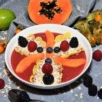 Frühstück mit Rote Bete und Papaya