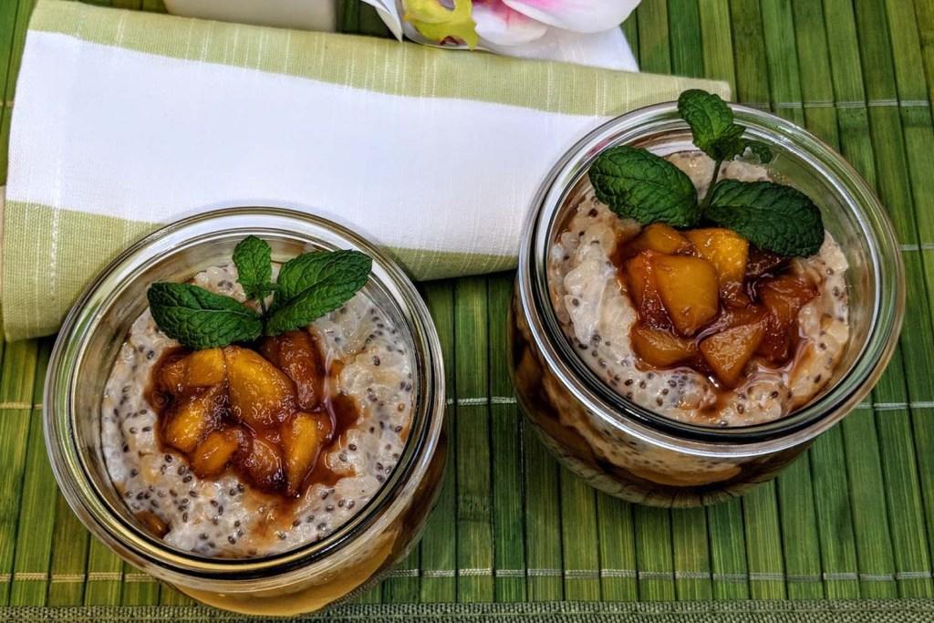 Milchreis mit Chia-Samen und Walnüssen -Dessert