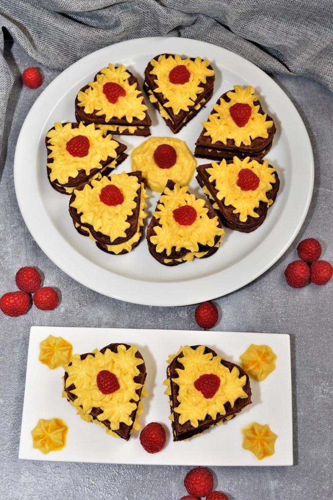 Brownie-Waffelherzen-Dessert-zum-Muttertag