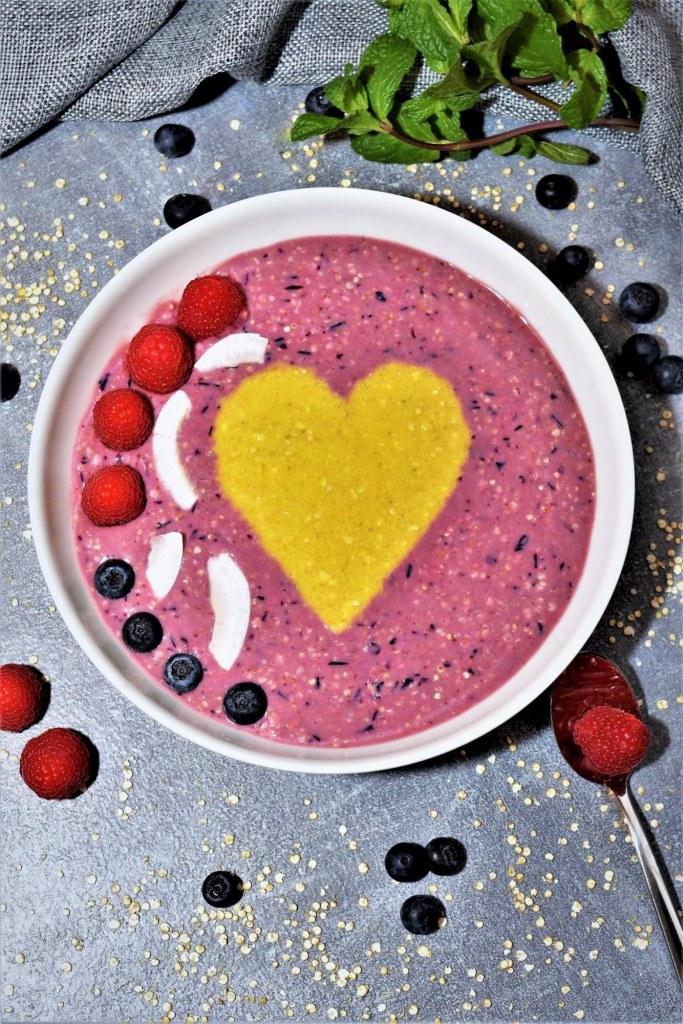 Frühstücksbowl-mit-Früchten-Rezept
