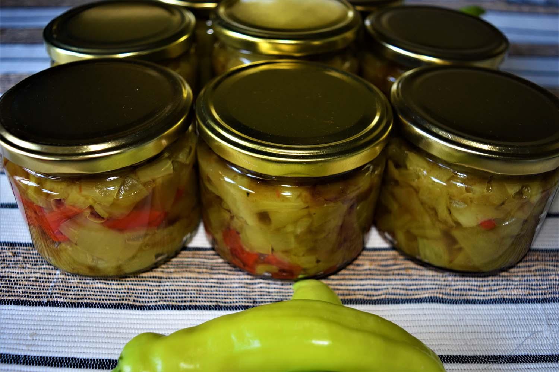 Eingelegte gebackene Paprika im Glas Rezept