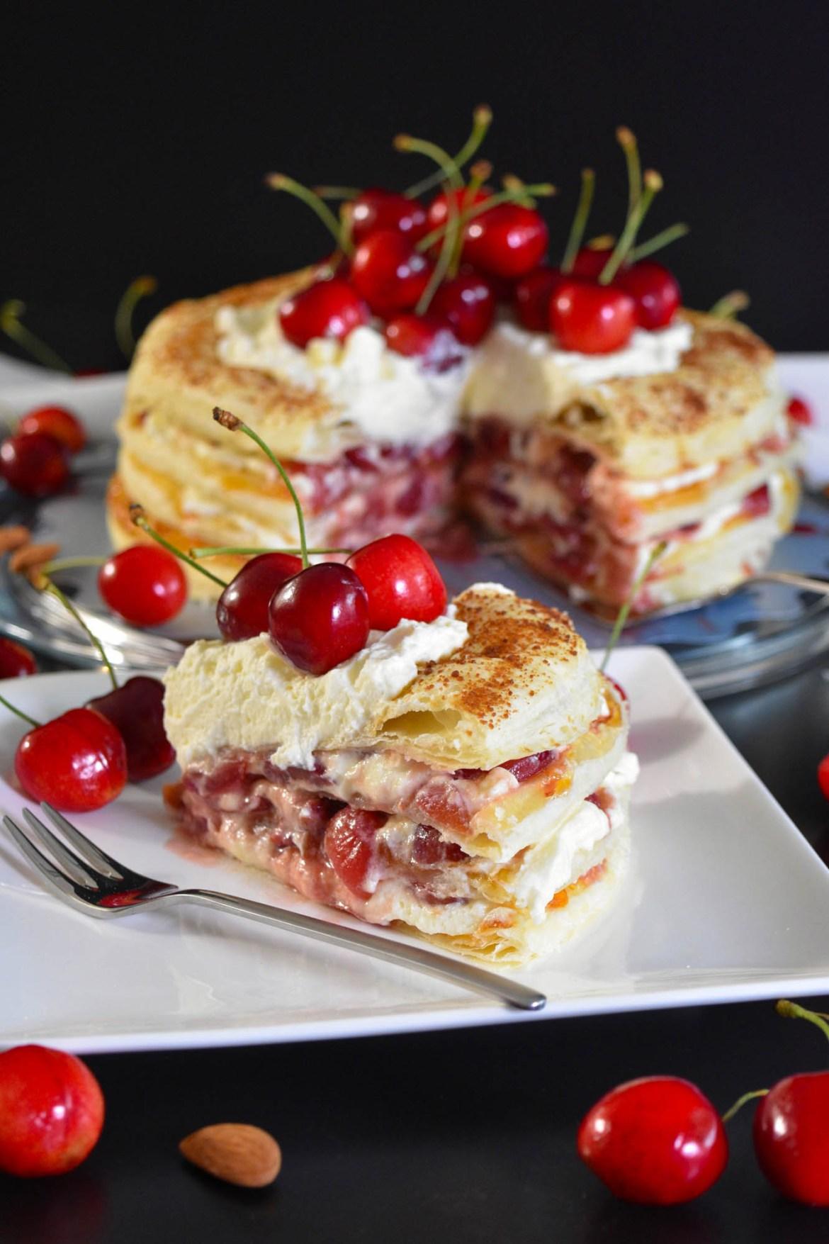 Blätterteig Kuchen mit Kirschen-Sommer-BallesWorld