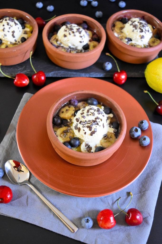 Gegrillte Ananas mit Heidelbeeren-Gesund Grillen-BallesWorld