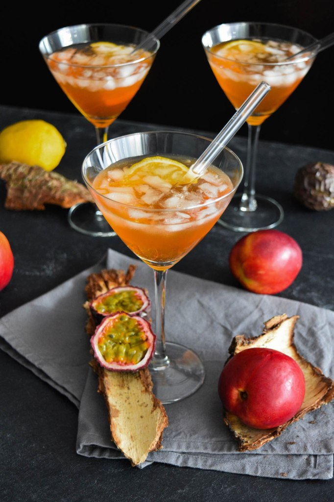 Lillet Pfirsich Maracuja Cocktail-Exotisch-BallesWorld