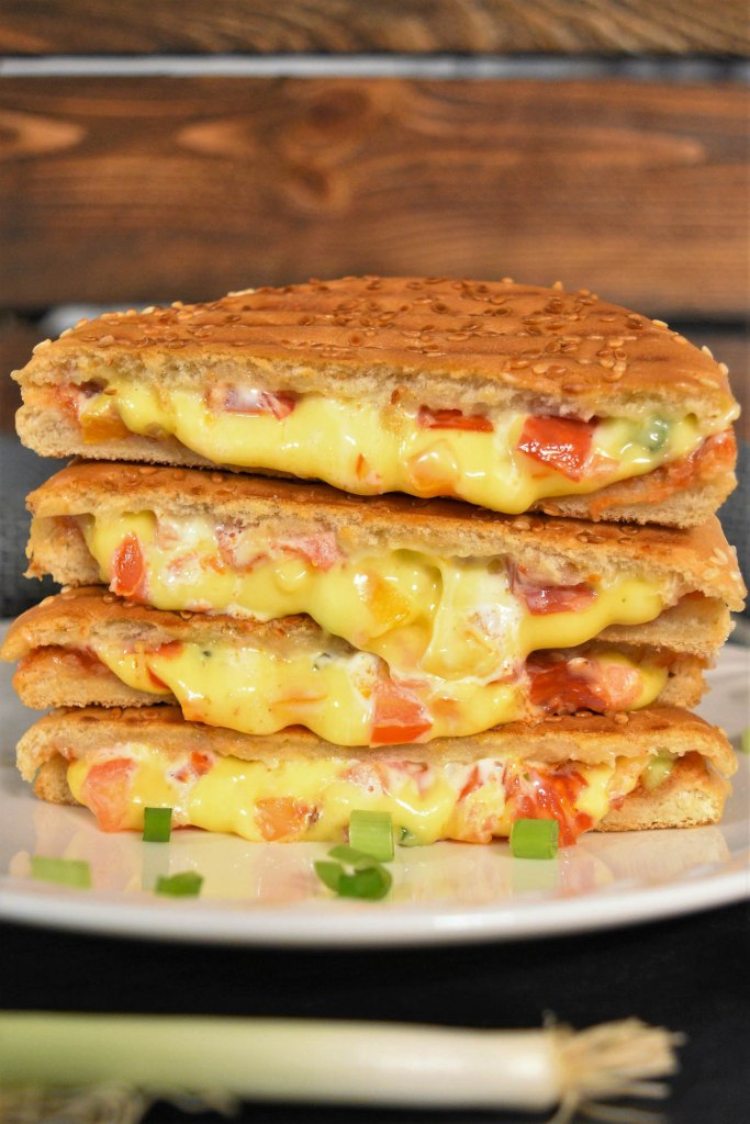 Sandwich vom Kontaktgrill-Fast Food-ballesworld