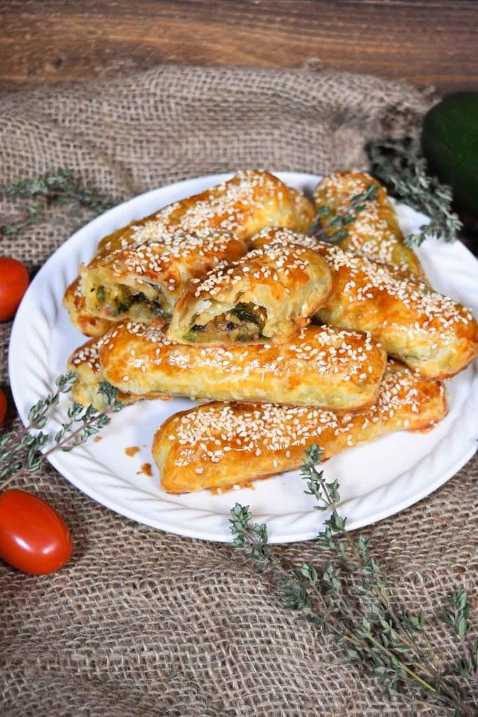 Blätterteig Röllchen mit gegrillten Zucchini-Snacks-ballesworld