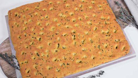 Focaccia aus Blumenkohl und Kichererbsen Mehl