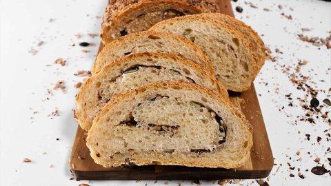 Brot mit Körnerfüllung