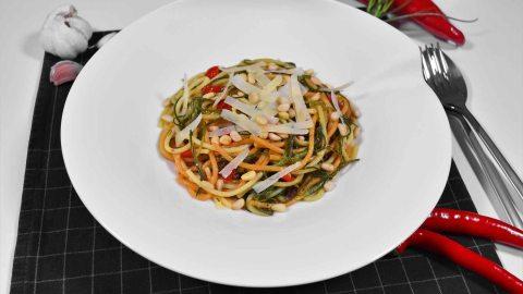 Mönchsbart-Knoblauch Spaghetti-Anrichten-ballesworld