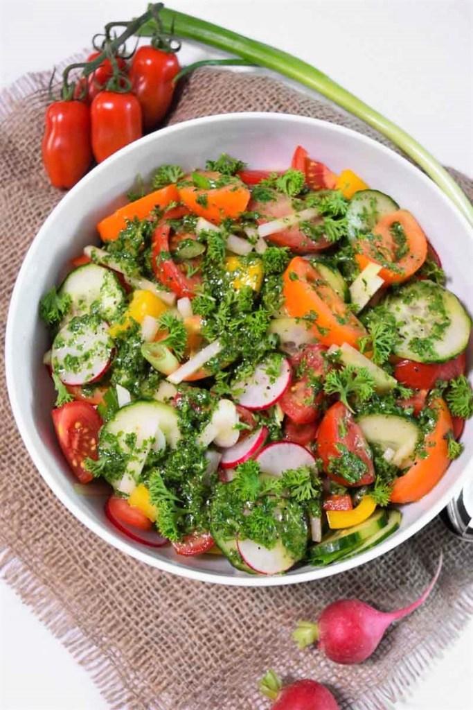Bunter Salat mit Rucola Dressing-Vegetarisch-ballesworld