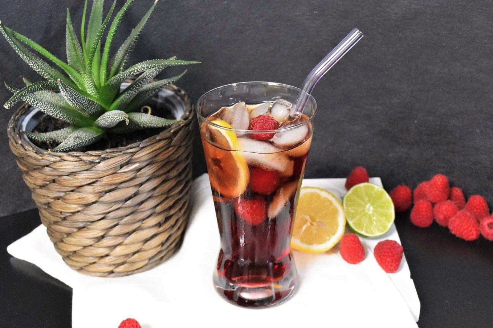 Cola Himbeerlikör Cocktail-Rezept-ballesworld
